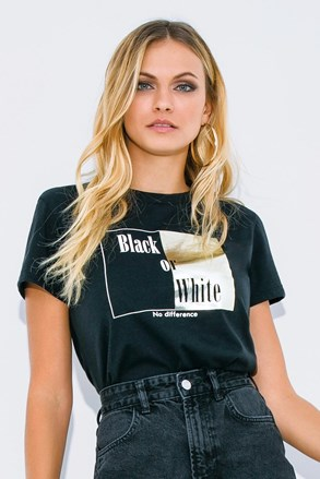 Black or White rövid ujjú női póló