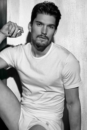 férfi basic póló kerek nyakkivágással